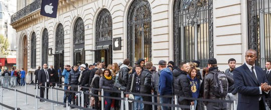Paris Apple Store robbed of more than $1 million in goods